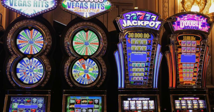 Istoria sloturilor online